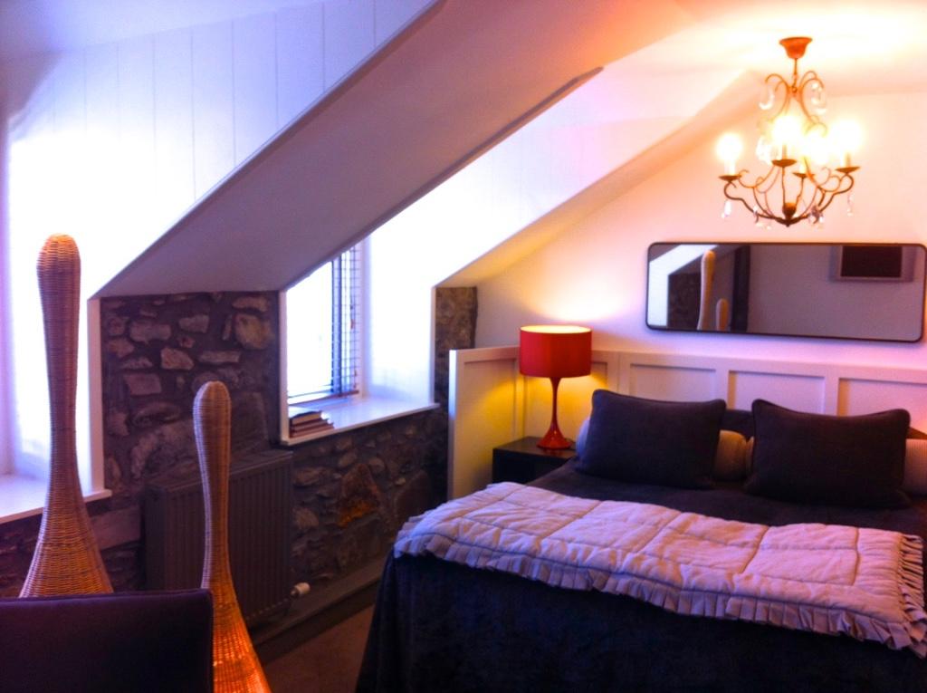 mhor-bedroom