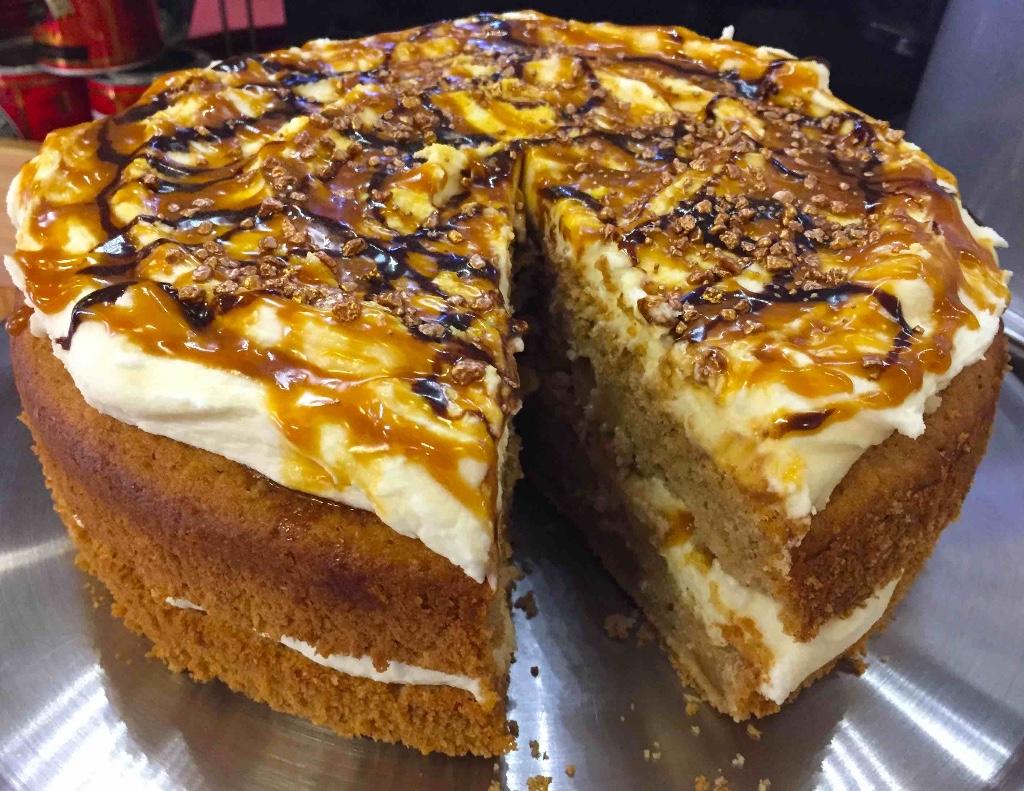 salt-caramel-app-cider-cake