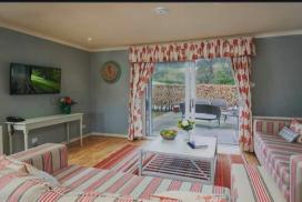 Cottage at Cringletie