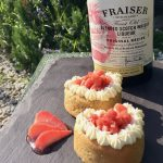Strawberry sponges with macerated berries